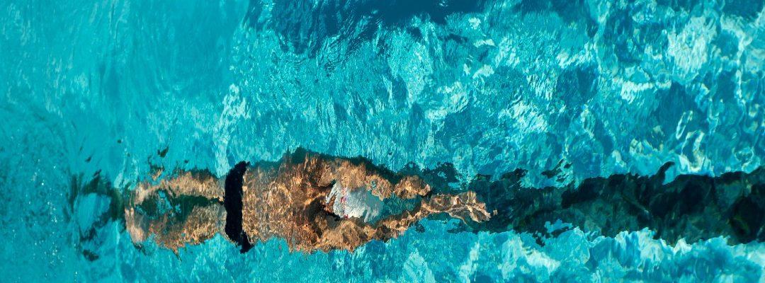 Gerincferdülés és úszás? Gerincferdülés és tánc?